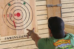 FlannelJax-Axe-Throwing-4