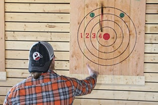 FlannelJax-Axe-Throwing-7